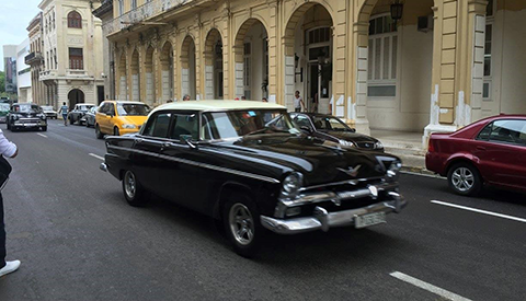 1950s vehicle in Cuba
